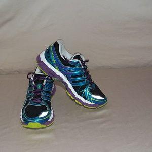 Asics womens size 7.5, gel kayano 20 running shoe